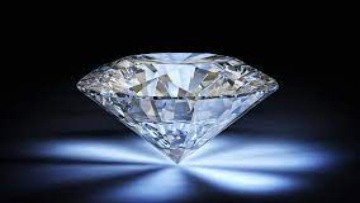Aleación de oro y platino compite con el diamante por su dureza