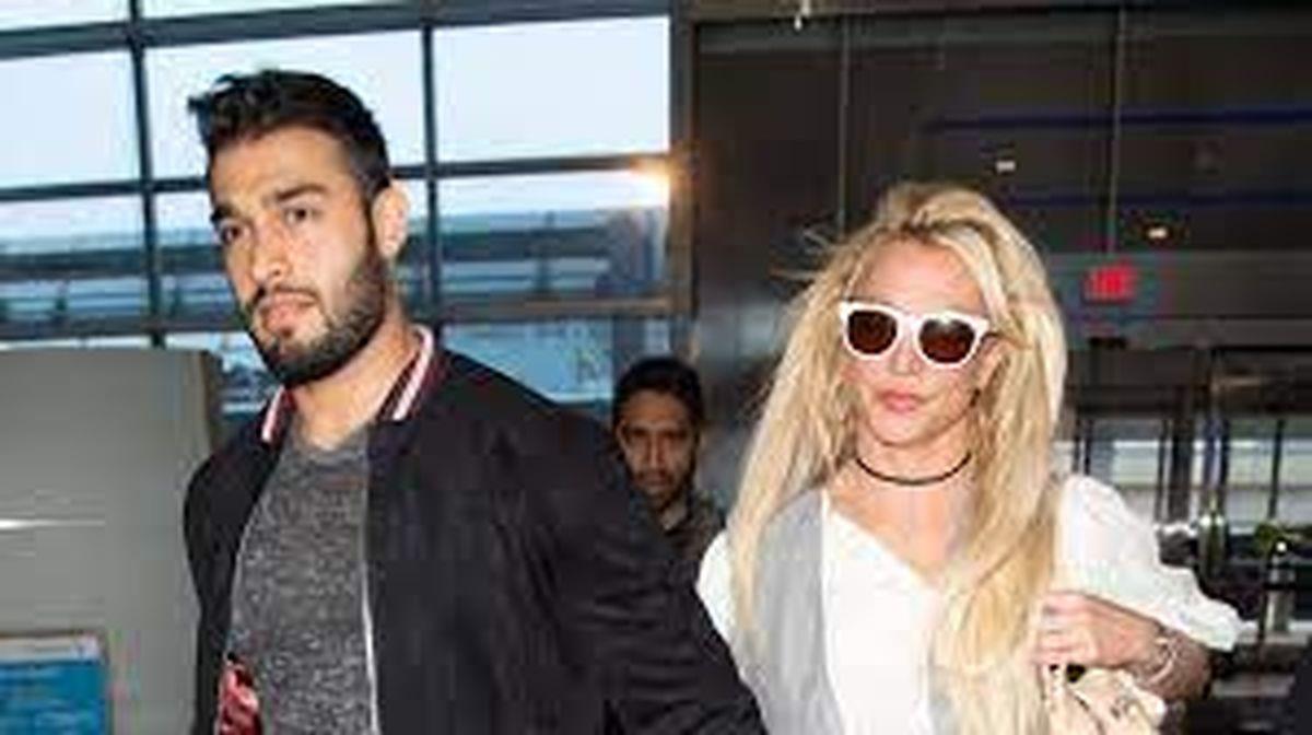 No puedo creerlo: Britney Spears se compromete con Sam Asghari