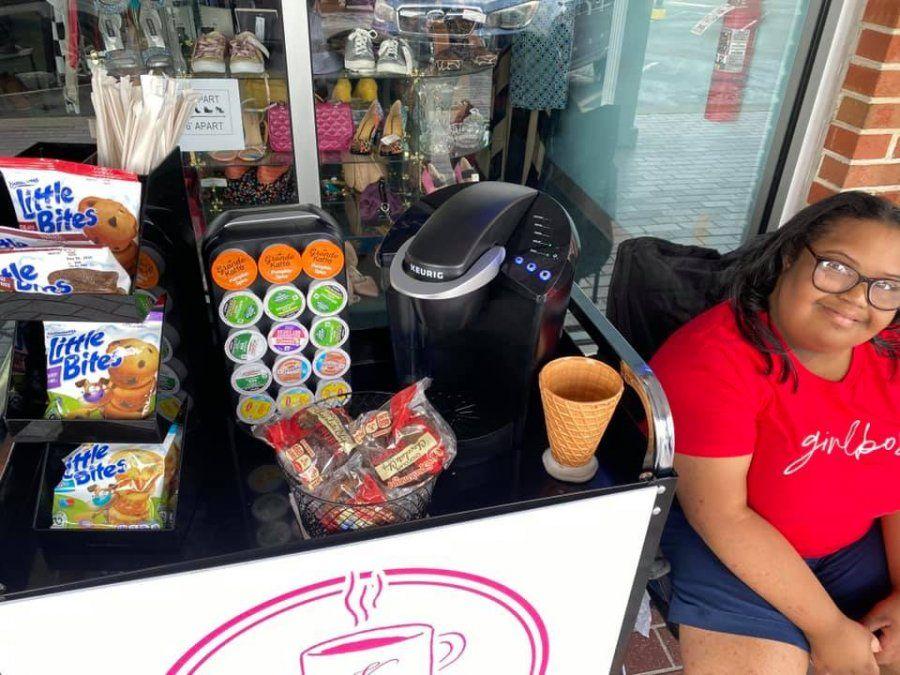 Chica con síndrome de Down decidió abrir su propia cafetería