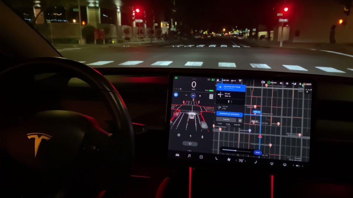 Lo ultimó: Tesla ahora con conducción autónoma